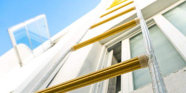 Comparación de escaleras de escape en caso de incendio