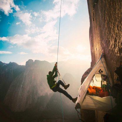 ISOP Outdoor indoor Climbing Rope 75ft (23m) 8mm with Carabiners 9
